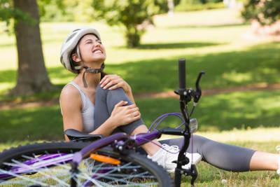 Sportverletzungen versorgen: Die PECH-Regel